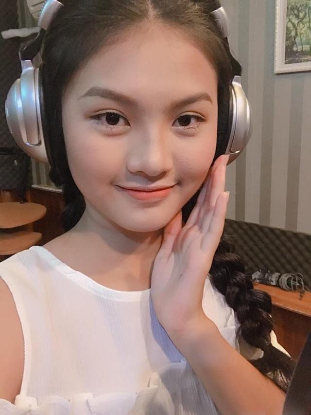 Cô gái Đặng Nguyễn Phương Nghi mơ ước trở thành ca sĩ
