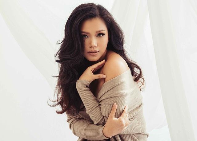 Quán quân Vietnam Idol mùa đầu tiên Phương Vy sẽ mang đến sân khấu chung kết Hoa hậu Hoàn vũ Việt Nam hình ảnh người phụ nữ mạnh mẽ, quyền lực qua một ca khúc tiếng Anh nổi tiếng của ca sĩ quốc tế Rhinana.