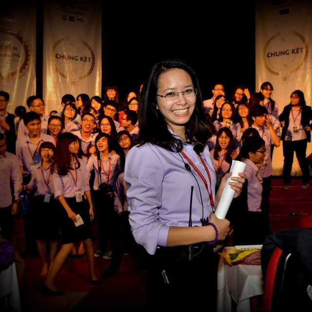 Phương Thảo trong vai trò là chủ tịch CLB YRC tại ĐH Ngoại thương Hà Nội
