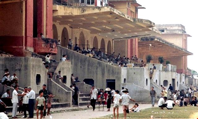 Từ ngày được xây dựng, trường đua Phú Thọ thu hút rất nhiều người đổ về xem đua ngựa và cá cược - Ảnh tư liệu.