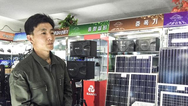Pin năng lượng mặt trời mặt hàng bán chạy ở Triều Tiên. (Ảnh: LA Times)