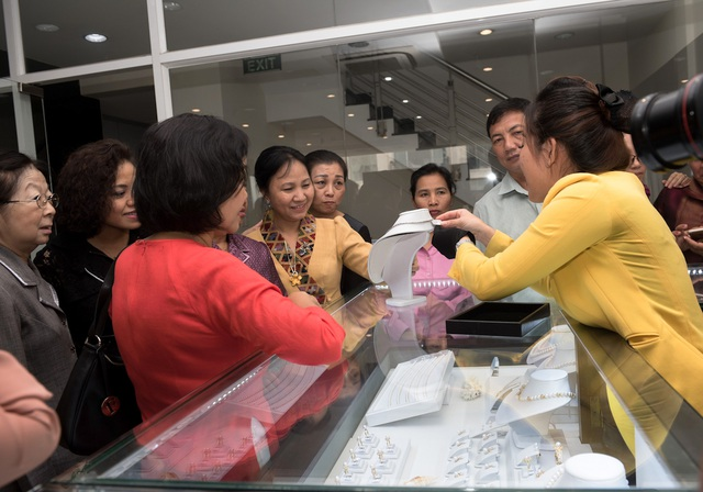 Tại đây, PNJ đã giới thiệu các dòng sản phẩm trang sức, đá quý đẳng cấp của công ty.