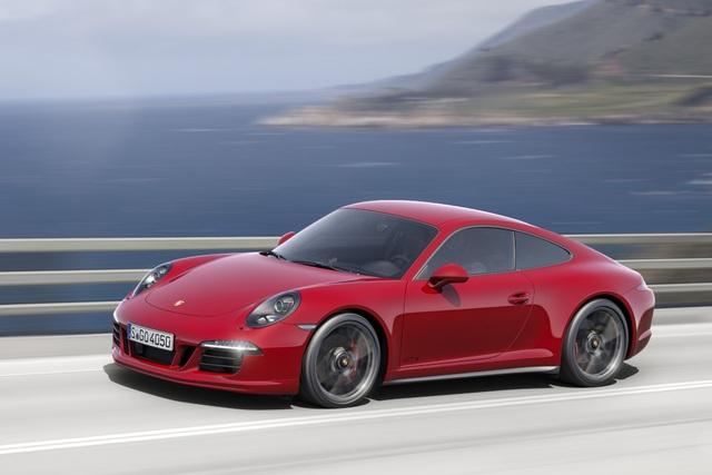 8. Porsche 911 GTS