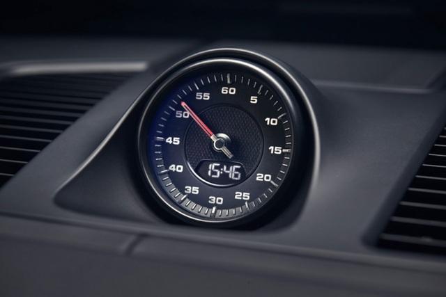 Porsche Cayenne thế hệ mới lộ diện trước giờ G - 15