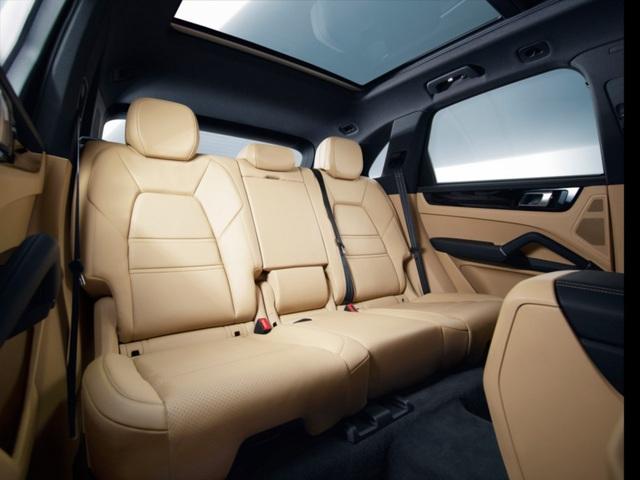 Porsche Cayenne thế hệ mới lộ diện trước giờ G - 19