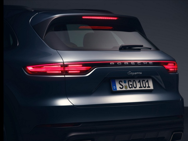 Porsche Cayenne thế hệ mới lộ diện trước giờ G - 6