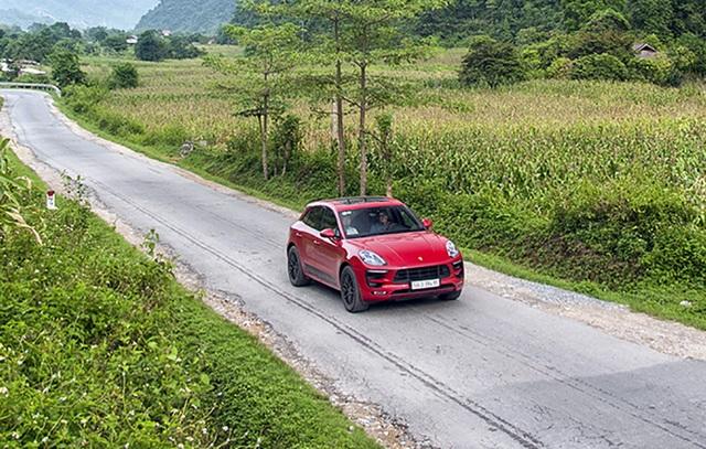 Theo công bố của nhà sản xuất, Macan GTS có mức tiêu thụ nhiên liệu 11,8-11,4 lít/100 km đường đô thị, 7,8-7,4 lít/100 km ngoài đô thị, và 9,2-8,8 lít/100 km đường hỗn hợp.