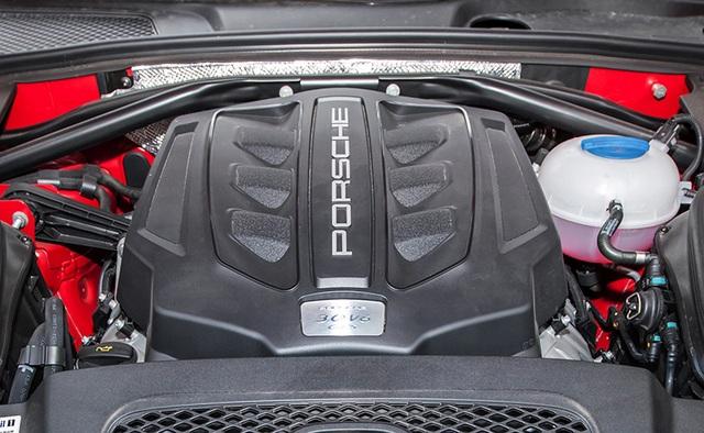 Porsche Macan GTS được trang bị động cơ V6 tăng áp kép 3.0L, cho công suất tối đa 300 mã lực tại tốc độ 6.000 vòng/phút và mô-men xoắn 500 Nm tại 1.650-4.000 vòng/phút.
