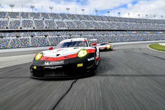 """Đi xe Porsche đeo đồng hồ gì mới """"chất""""? - 2"""