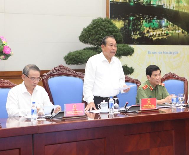 Phó Thủ tướng Trương Hòa Bình đề nghị Bộ Công an xử lý nghiêm các trường hợp chống đối, lao xe vào lực lượng công vụ. Ngoài tội danh chống người thi hành công vụ cần xem xét đến hành vi cố ý giết người.