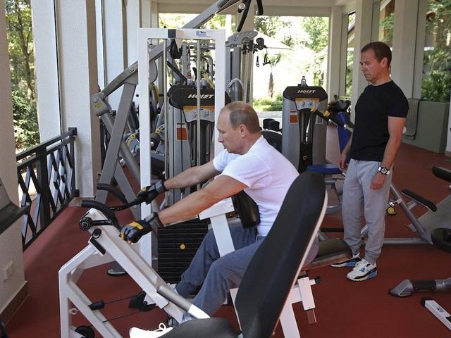 Tổng thống Nga đã xây dựng một hình ảnh nhà lãnh đạo nam tính, thể thao trong những năm qua (Ảnh: Reuters)