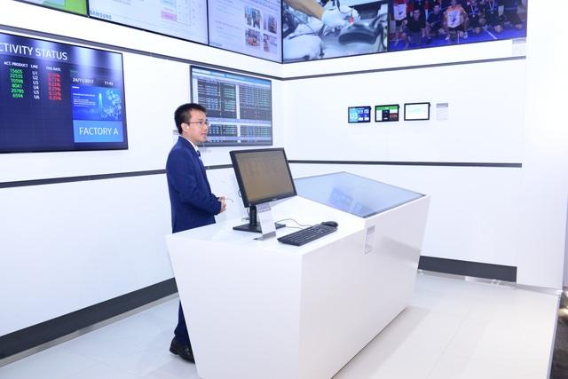 Tại khu vực Nhà máy Thông minh, áp dụng giải pháp ảo hóa hạ tầng máy tính (VDI), giúp quản lý và nâng cao tính bảo mật hệ thống dữ liệu hiệu quả