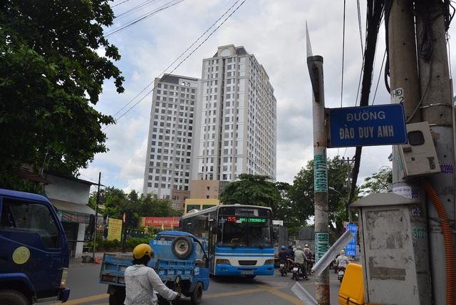 Mật độ chung cư dày đặc 2 bên đường Hồng Hà, quận Phú Nhuận