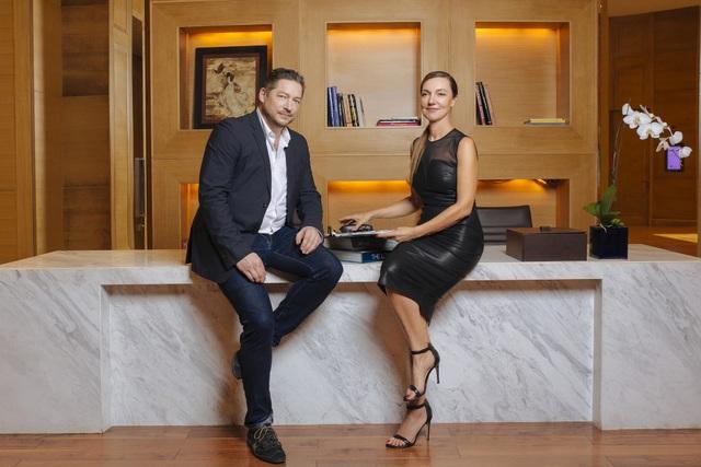 Ông Tim Voegele – Downing – Giám đốc sáng tạo và bà Ann Rafter – Cố vấn cao cấp truyền thông của Giovanni Group