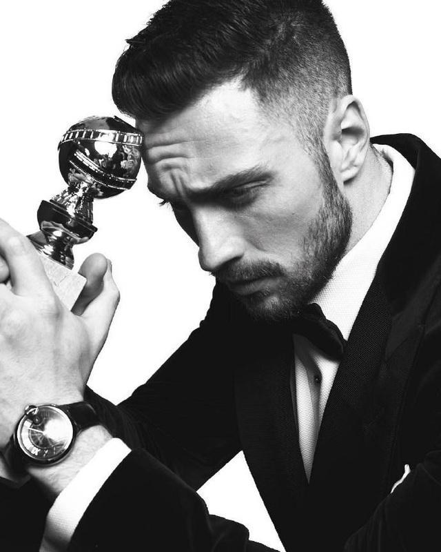 Nam diễn viên Aaron Taylor Johnson tâm trạng bên giải thưởng Quả cầu vàng đầu tiên trong sự nghiệp. Anh nhận giải Nam diễn viên phụ xuất sắc nhất với diễn xuất trong Nocturnal animals.