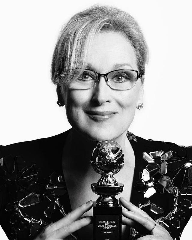 Nữ diễn viên Meryl Streep đã được vinh danh với giải thưởng thành tựu Quả cầu vàng 2017 với những đóng góp không mệt mỏi của bà với môn nghệ thuật thứ bảy. Năm nay, bà nhận được một đề cử nhưng đã hụt giải thưởng này.