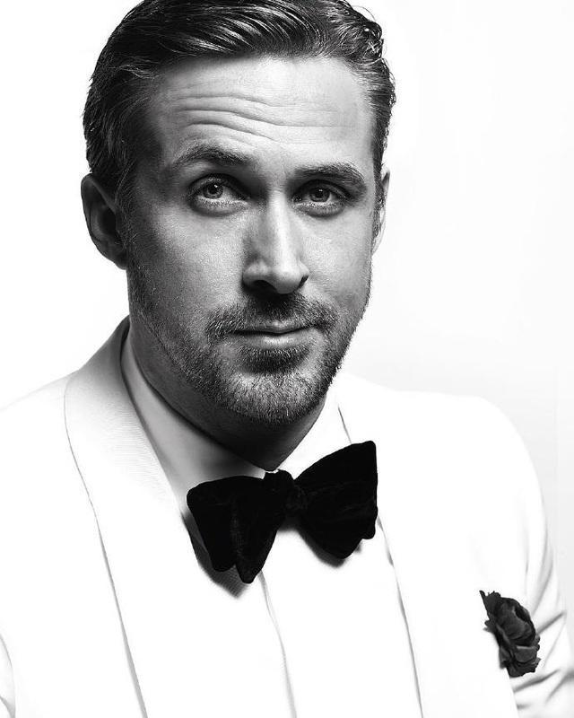 Ryan Gosling đã có một đêm trao giải tuyệt vời tại Quả cầu vàng năm 2017 khi nhận giải Nam diễn viên xuất sắc nhất (thể loại phim hài và phim ca nhạc) cho diễn xuất trong La La Land. Trên sân khấu, anh đã có một bài phát biểu vô cùng cảm động dành cho bạn gái và hai đứa con gái. Tôi muốn cảm ơn một người đặc biệt và nói rằng khi tôi đang ca hát, nhảy múa hay chơi piano, đang có một trong những trải nghiệm tuyệt vời nhất cuộc đời thì người phụ nữ của tôi đang phải bận rộn chăm sóc, nuôi dạy con gái tôi. Cô ấy mang bầu lần thứ hai và phải giúp em trai mình chiến đấu với căn bệnh ung thư. Nếu cô ấy không đảm nhiệm những công việc đó thì tôi không có thời gian để có những trải nghiệm tuyệt vời như vậy, không thể có cơ hội đứng đây lúc này. Em thân yêu, cảm ơn em, anh nói.