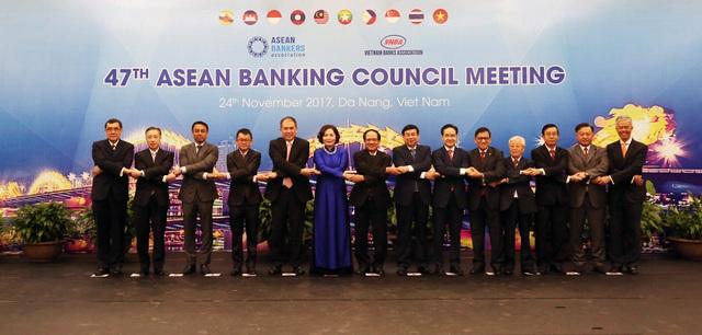 Trong 2 ngày 23-24/11/2017, Hội nghị Hội đồng Hiệp hội Ngân hàng ASEAN (ABA) lần thứ 47 diễn ra tại Đà Nẵng. Năm nay, Hiệp hội Ngân hàng Việt Nam (VNBA) là chủ nhà đăng cai tổ chức hội nghị lần này.