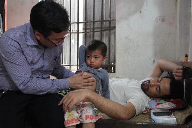 Cháu Vũ Tuấn Sang bị bệnh tim vẫn chữa chưa khỏi.