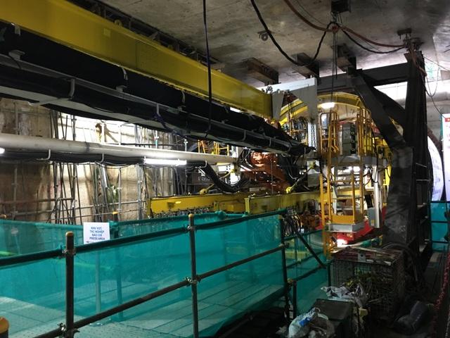 Quái vật khoan hầm nặng 300 tấn.