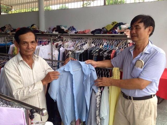 Tất cả quần áo ở đây, được trao tặng miễn phí cho người dân khi họ có nhu cầu