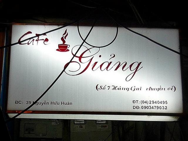 Cà phê Giảng là cái tên không thể quên của Hà Nội.