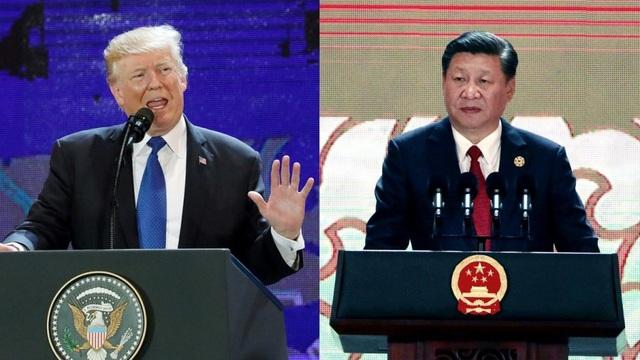 Tổng thống Mỹ Donald Trump (trái) và Chủ tịch Trung Quốc Tập Cận Bình phát biểu tại Hội nghị Doanh nghiệp APEC chiều 10/11. (Ảnh: SCMP)