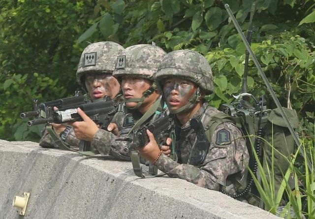 Quân nhân Hàn Quốc làm nhiệm vụ. (Ảnh minh họa: Reuters)