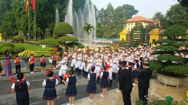 Đoàn quân nhạc chuẩn bị cho nghi lễ tiếp đón Chủ tịch Trung Quốc
