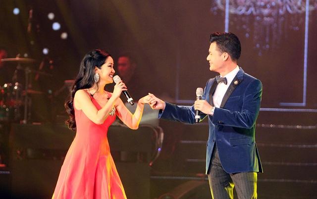 Trước khi bắt đầu ca khúc nối tiếp, Quang Dũng nói rằng, trong trái tim của anh luôn dành cho ca sĩ Hồng Nhung một vị trí rất đặc biệt. Giọng hát nữ bất ngờ cất lên hoà giọng cùng Quang Dũng.