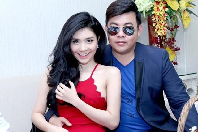 Nam ca sĩ công khai tình cảm với Thanh Bi vào hồi đầu năm 2017.