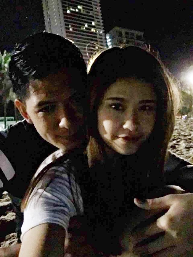 Tim và Trương Quỳnh Anh được cho là đã ly dị vào tháng 5/1017 thế nhưng sau đó cả hai lại khá thân mật xuất hiện bên nhau và từ chối nói về việc ly dị khiến nhiều người cảm thấy khó hiểu.