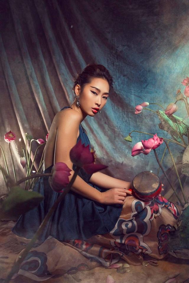 Miss Quỳnh Thy tung ảnh ấn tượng bên hoa sen ngày 8/3 - 6