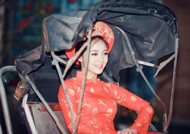 """""""Loa phường"""" Quỳnh Kool đáng yêu trong tà áo dài đón Xuân - 9"""