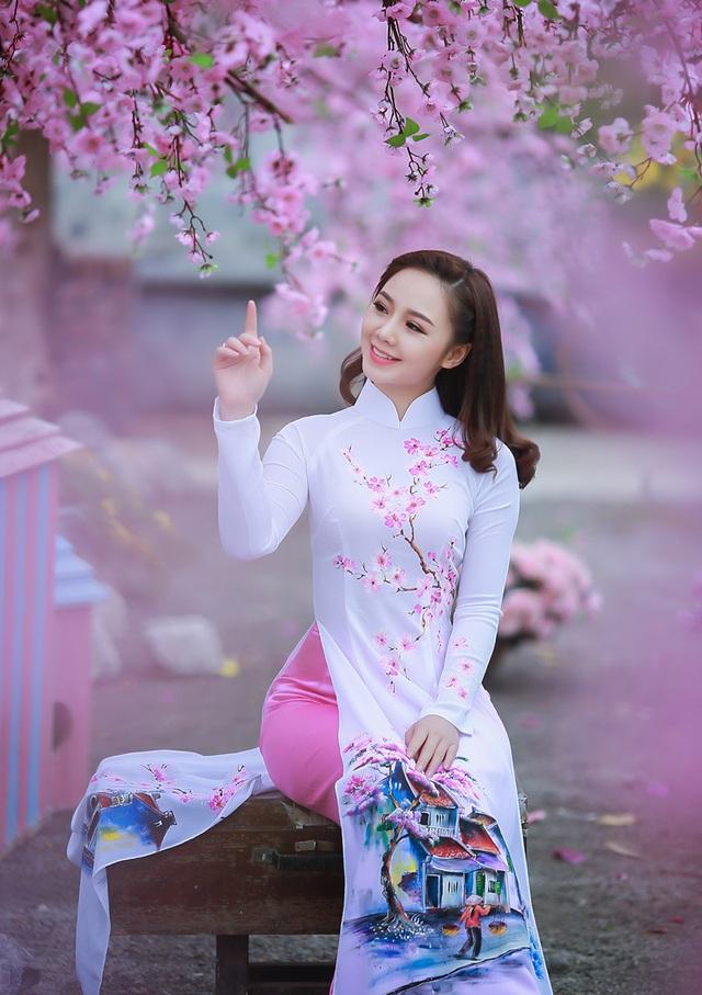 """""""Loa phường"""" Quỳnh Kool đáng yêu trong tà áo dài đón Xuân - 1"""
