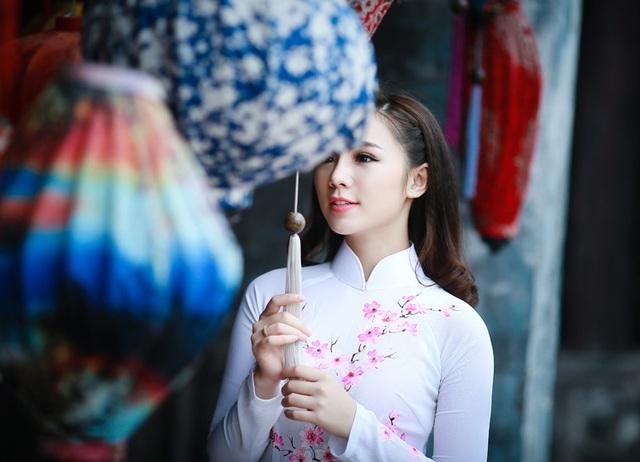 """""""Loa phường"""" Quỳnh Kool đáng yêu trong tà áo dài đón Xuân - 8"""