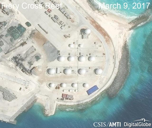 Ảnh vệ tinh ngày 9/3/2017 chụp hệ thống radar phi pháp của Trung Quốc tại khu vực phía bắc của đá Chữ Thập thuộc quần đảo Trường Sa của Việt Nam (Ảnh: CSIS)
