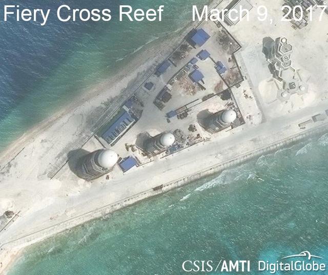 Ảnh vệ tinh ngày 9/3/2017 chụp hệ thống radar phi pháp của Trung Quốc tại khu vực phía đông của đá Chữ Thập thuộc quần đảo Trường Sa của Việt Nam (Ảnh: CSIS)