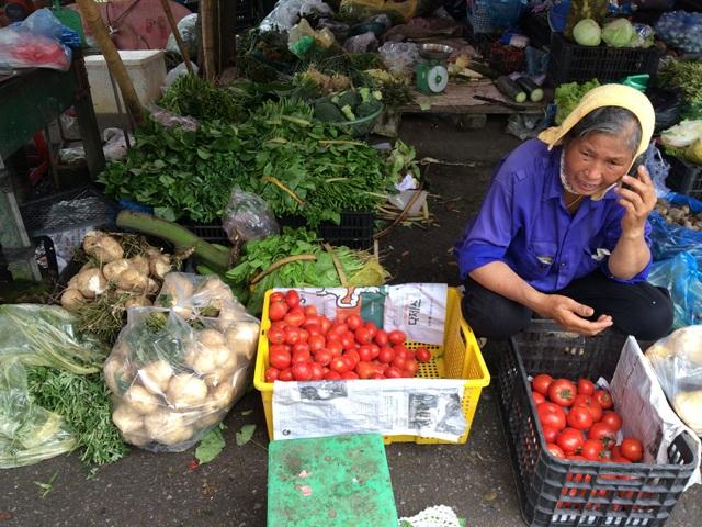 Rau củ mùa mưa tăng giá mạnh