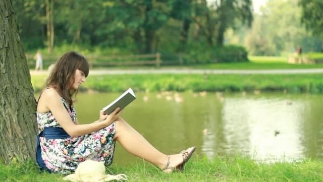 Đọc sách là một cách thức để học hỏi. (Ảnh minh họa)