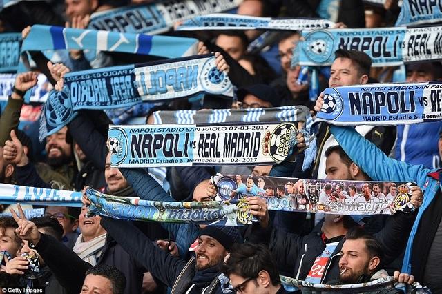 Sân San Paolo rực lửa ngóng đại chiến Napoli-Real Madrid