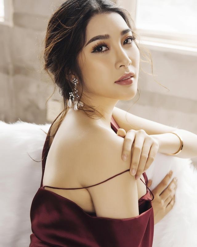 Trong làng thời trang Việt, người đẹp 9x Yan My đã quá quen thuộc trên các sàn diễn phía Nam.