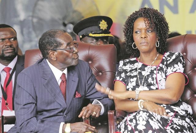 Tổng thống Zimbabwe Robert Mugabe và phu nhân Grace Mugabe (Ảnh: Getty)