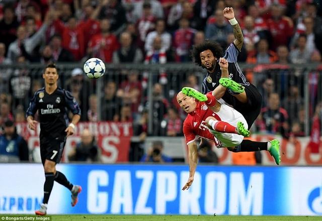 Robben chơi khá năng nổ ở trận đấu này
