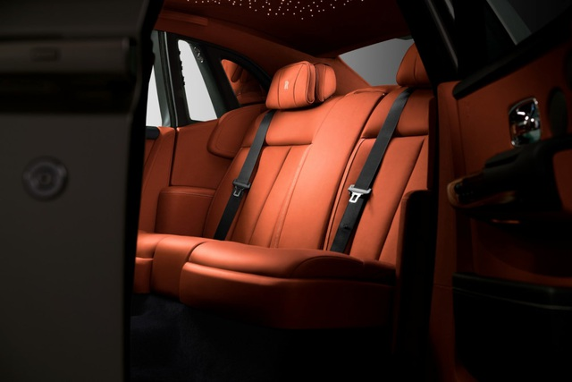 Rolls-Royce giới thiệu Phantom thế hệ mới - 16