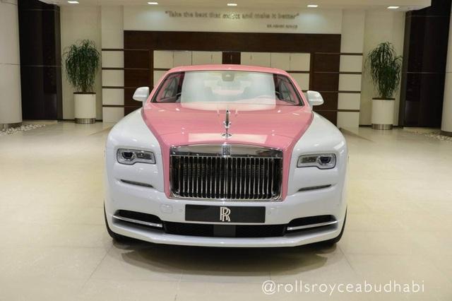 Xe Rolls-Royce màu hồng - Tại sao không? - 1