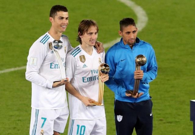 C.Ronaldo hụt giải Quả bóng vàng ở FIFA Club World Cup vào tay Modric