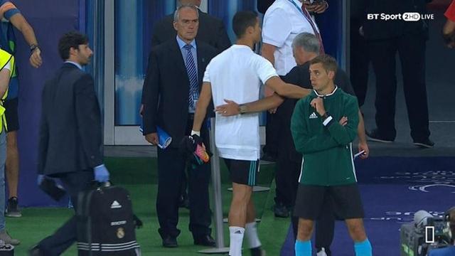 HLV Mourinho mỉa mai C.Ronaldo sau trận đấu