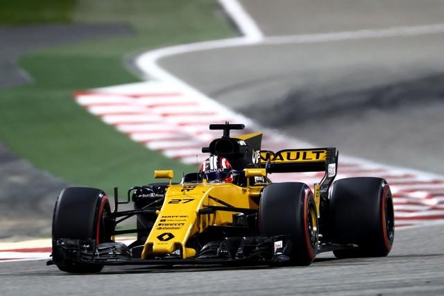 Đánh bại Hamilton và Bottas, Vettel có chiến thắng chặng thứ 2 - 5