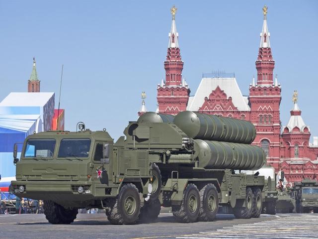 Hệ thống phòng thủ tên lửa S-400 của Nga (Ảnh: Sputnik)